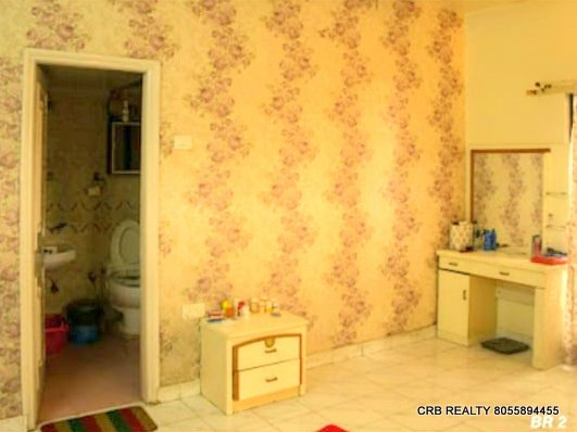FOR SALE : 2 BHK Fully Furnished Flat in Koregaon Park | Swan Lake, Pune