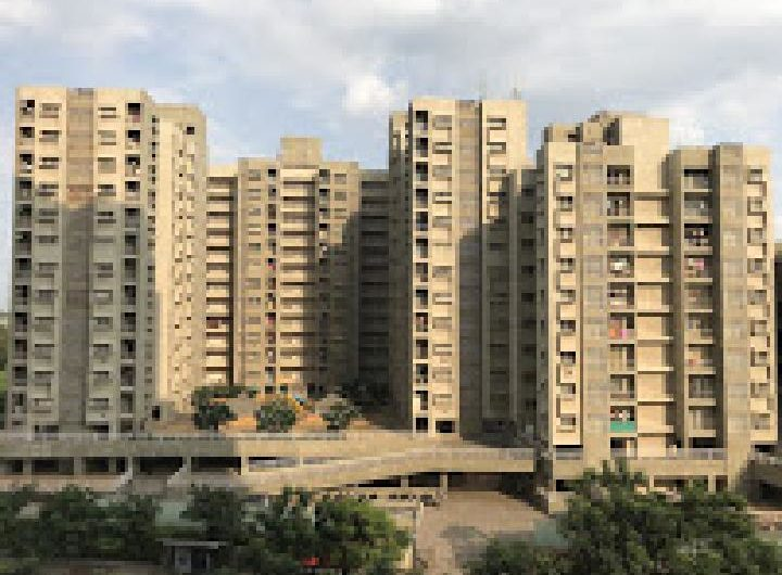 For Sale : 1 Bedroom Apartment | Magarpatta | Desire Tower, Pune