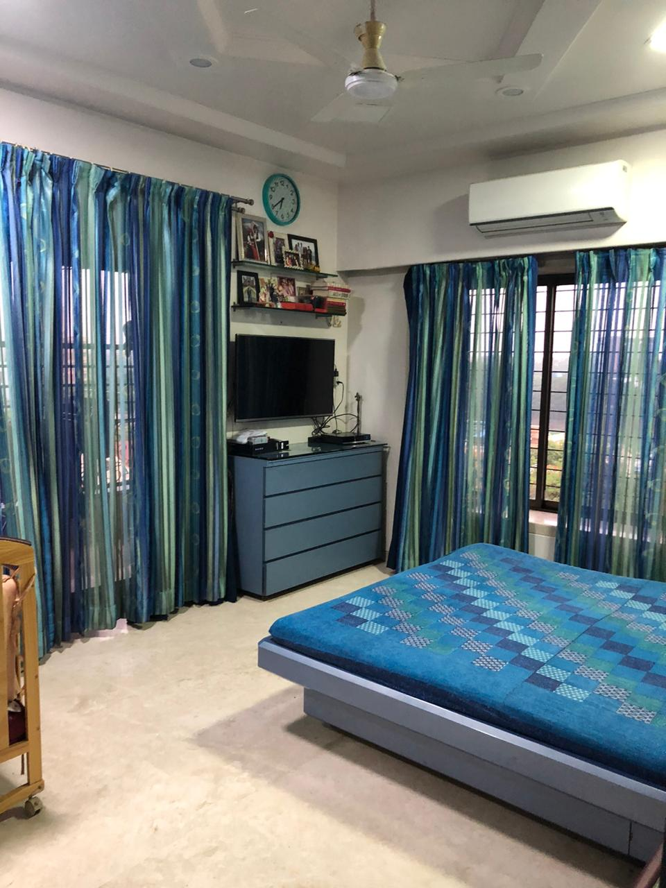 FOR SALE: 3 bhk furnished flat in Boat Club Road, Pune