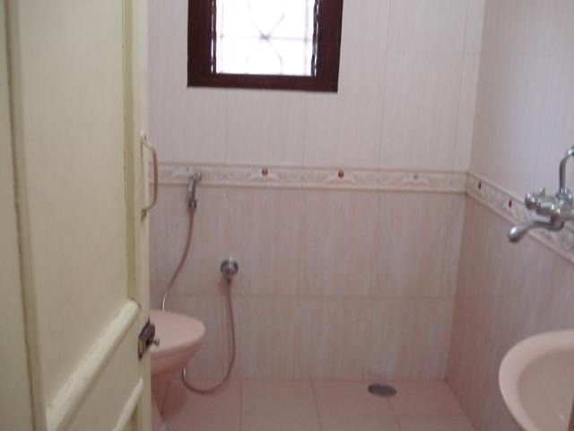 For Sale : 5 Bedroom Bungalow in Kalyani Nagar   Pushpak Society, Pune