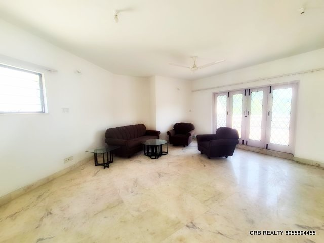 For Sale : 3 BHK Duplex Flat at  Farjeste | Boat Club Road, Pune
