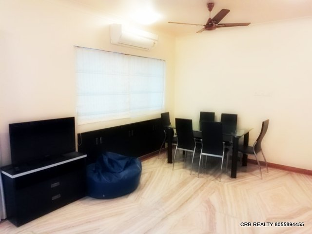 FOR RENT : WELL FURNISHED 2 BHK FLAT at WOODS   KOREGAON PARK, Pune