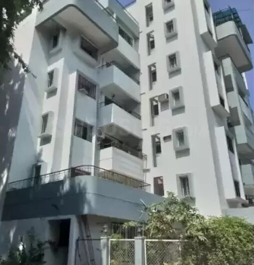 FOR SALE : preleased 3 BHK FLAT | TRINITY COURT | KOREGAON PARK, PUNE